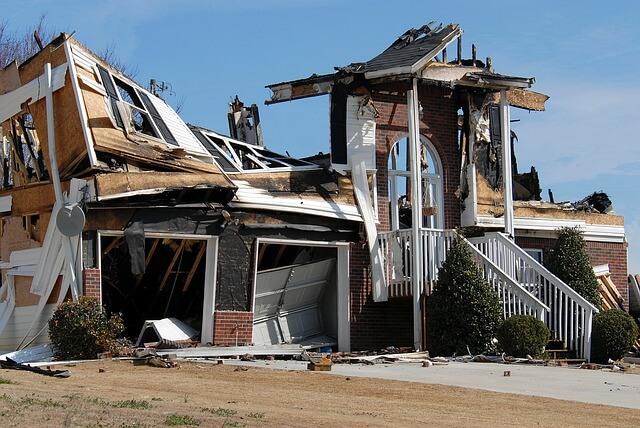 איך מבצעים שיקום נזקים בבית?